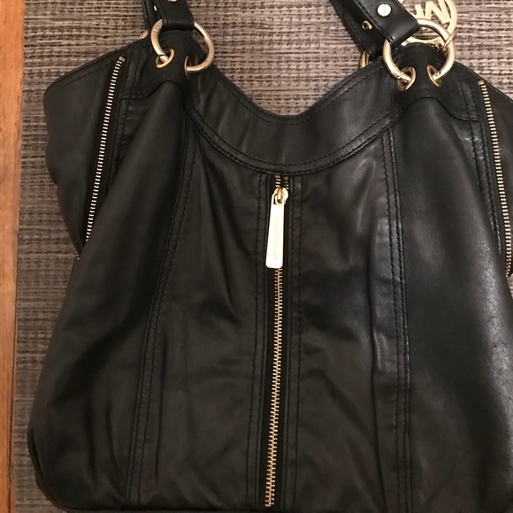 d5224e09d486 Michael Kors MK soft leather hobo bag (medium). M 5a50fa2d3afbbd5ee000cb90